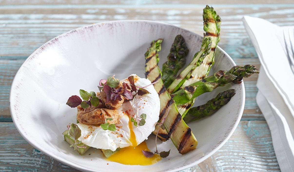 Grilled Asparagus with Misobutter, Poached Egg and Togarashi