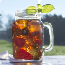 Fresh Berry Iced Tea Punch